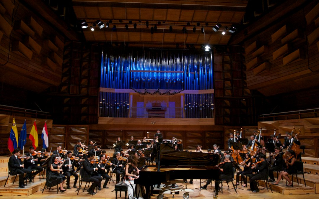 Soloist with RTVE orchestra at Teatro Monumental